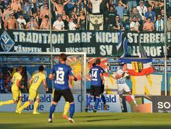 Die Fans von Waldhof Mannheim hoffen auf den Aufstieg