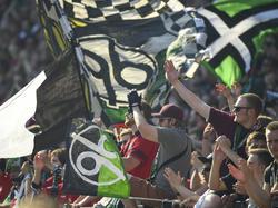Hatten sich letzte Saison nicht immer im Griff: Fans von Hannover 96