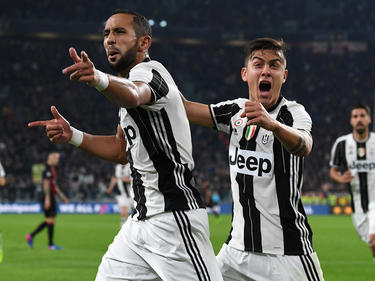 Medhi Benatia (li.) und Paulo Dybala schossen Juve zum Sieg gegen Milan