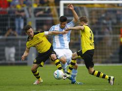 Julian Justvan (M.) wechselt von 1860 München zum VfL Wolfsburg
