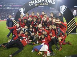 Toronto celebra en el césped su campeonato. (Foto: Imago)