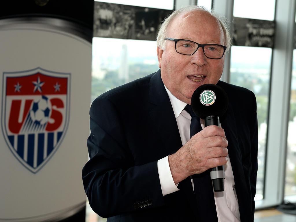 Uwe Seeler sorgt sich um seinen HSV