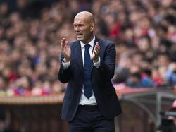 Zinédine Zidane bleibt angeblich Real-Trainer