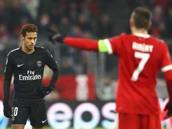Neymar (li.) hatte mit PSG gegen die Bayern das Nachsehen