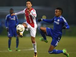 Justin Kluivert besitzt nun einen Vertrag bei Ajax