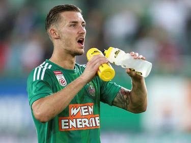 Mario Pavelić schaut auf seinen Speicher