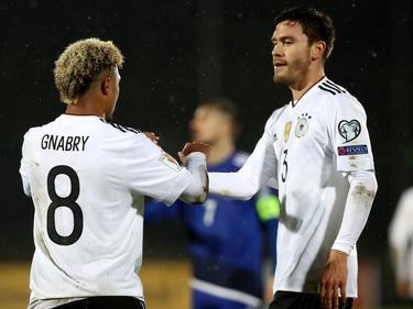 Serge Gnabry (li.) und Jonas Hector führen das DFB-Team in San Marino zum Kantersieg
