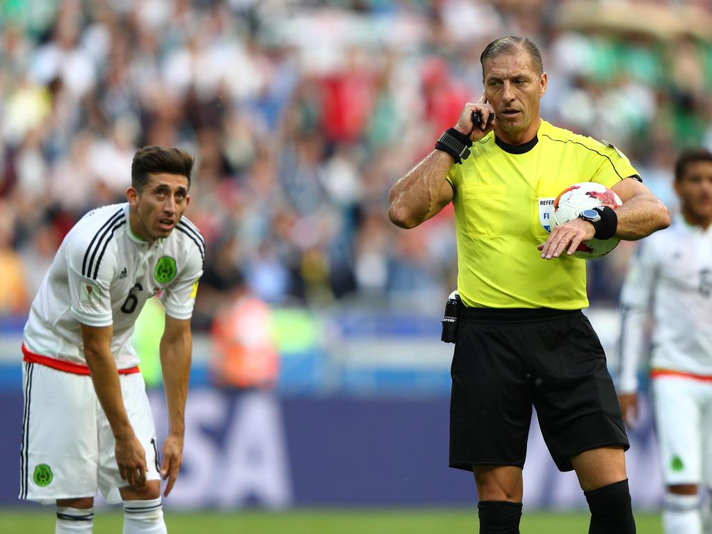 Späte Tore bescheren Chile Sieg: 2:0 gegen Kamerun