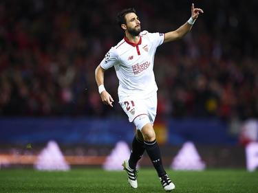 Nico Pareja en un partido de la Liga de Campeones con el Sevilla. (Foto: Getty)