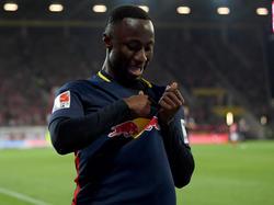 Naby Keïta spielt auch künftig mit dem RB-Bullen auf der Brust