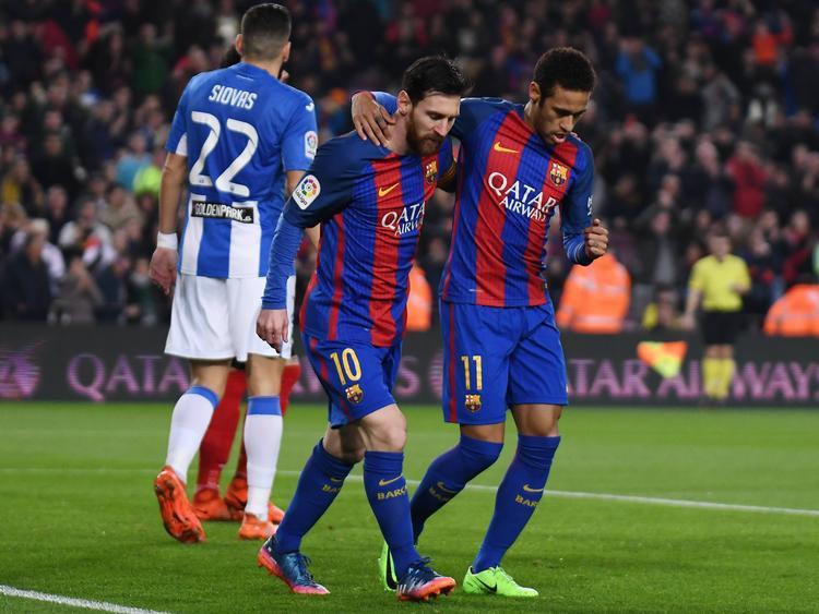 Messi y Neymar celebran el gol de la victoria del Barcelona. (Foto: Imago)