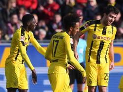 Die Dortmunder Dembélé (l.), Aubameyang und Sokratis waren nicht zu stoppen