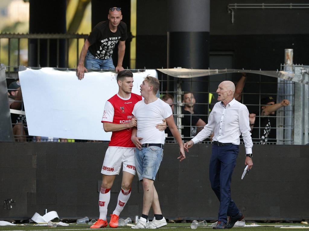 Der Sport-Tag: Eklat in Maastricht: Fans randalieren in der Halbzeitpause