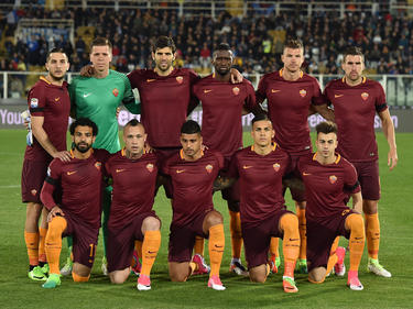 Formación inicial de la Roma en Pescara. (Foto: Getty)