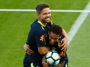 Diego (l.) und Neymar stehen im Aufgebot der brasilianischen Nationalmannschaft