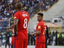 Vidal y Alexis no podrán mostrar su fútbol en el evento del próximo verano. (Foto: Getty)