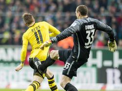 Werder-Keeper Drobný flog nach dem Tritt gegen Reus vom Platz