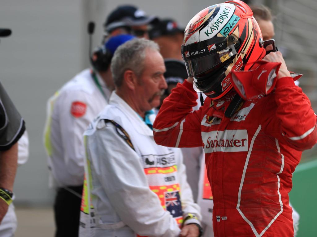 Keine Berührungsängste: Sebastian Vettel  schaut in Melbourne nicht nur mit den Augen