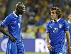 2012 kickten Balotelli (l.) und Pirlo gemeinsam bei der EURO