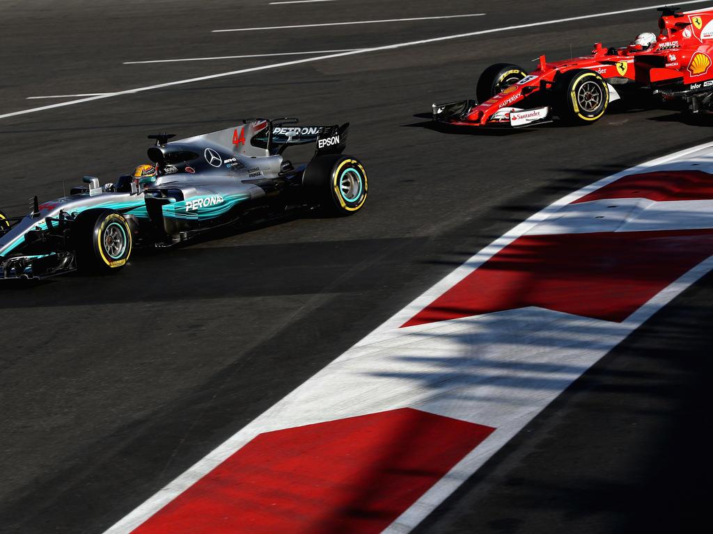 Sebastian Vettel und Lewis Hamilton lieferten sich einen hitzigen zweikampf