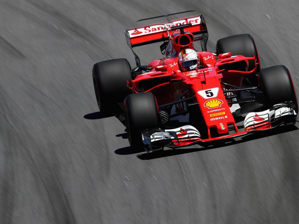 Sebastian Vettel holt in Abu Dhabi die erste Bestzeit