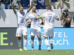 Giovani Dos Santos, Sebastian Lletget und Robbie Keane (v.l.n.r.) bejubeln einen Treffer der LA Galaxy