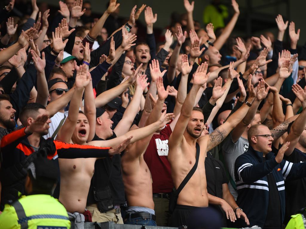 Harnik-Klub zeigt die eigenen Fans an