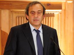 Michel Platini wurde schriftlich um seine Meinung und eine Amtshandlung gebeten