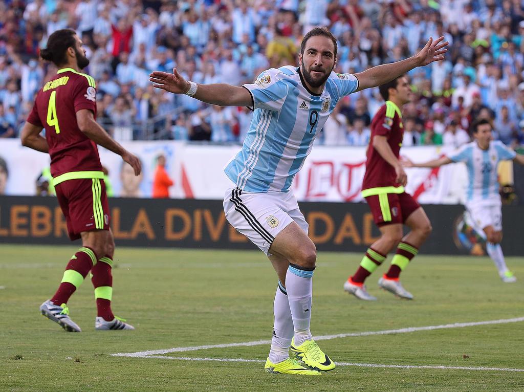 Gonzalo Higuaín soll Juve zu weiteren Titeln führen