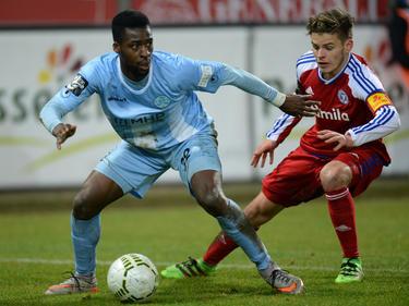 Stephane Mvibudulu (l.) folgt seinem Förderer Torsten Fröhling nach Wiesbaden