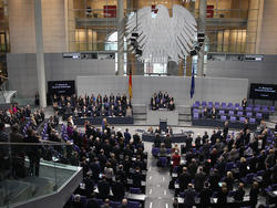Der Bundestag beschäftigt sich mit der WM-2006-Affäre