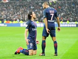 Edinson Cavani hat Paris Saint-Germain mit zwei Toren zum Sieg gegen Lyon geschossen
