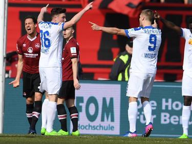 Nils Quaschner (l.) lässt sich nach seinem Treffer zum 1:0 feiern
