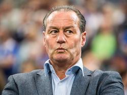 Huub Stevens soll seinem alten Verein in der Relegation helfen