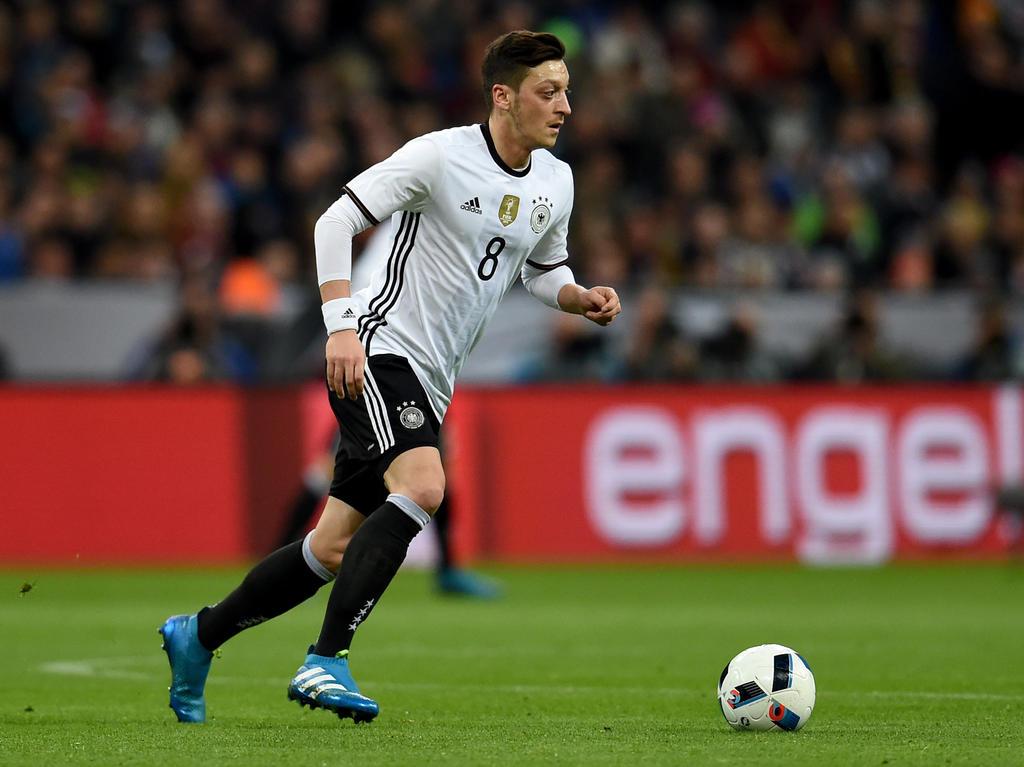 Mesut Özil glaubt an den EM-Titel