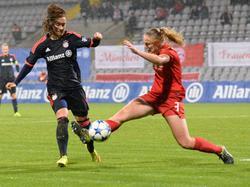 Stephanie van der Gragt (r.) wechselt die Seiten und läuft fortan selbst für den FC Bayern auf