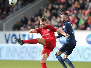 Tim Knipping (l.) konnte mit dem SV Sandhausen nicht gegen Heidenheim gewinnen