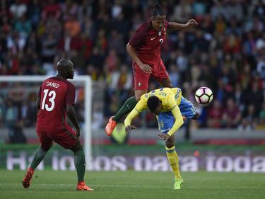 El seleccionador portugués Fernando Santos cambió toda la línea ofensiva. (Foto: Getty)