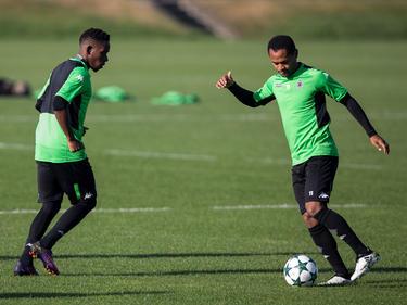 Ibrahima Traoré (l.) stieg wieder ins Training von Borussia Mönchengladbach ein