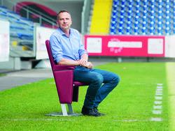 Teamchef Dominik Thalhammer wünscht sich mehr Breite im Frauenfußball (Credit: Daniel Shaked)
