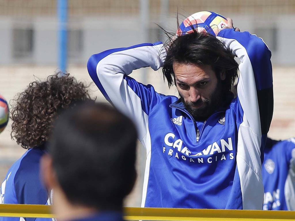 Samaras en un entrenamiento del Real Zaragoza este año. (Foto: Imago)