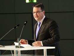 DFB-Schatzmeister Osnabrügge hat die Untersuchungskosten erläutert