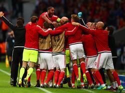 Die Roten Drachen feiern den sensationellen Einzug ins EM-Halbfinale