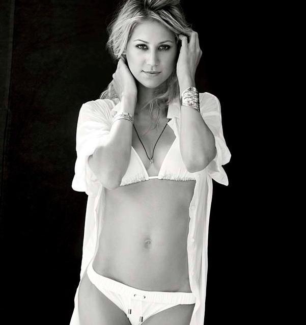 Nacktfotos von Anna Kournikova im Internet - Mediamass