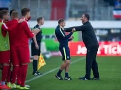Heidenheims Frank Schmidt steht mit seiner Mannschaft in der nächsten Runde