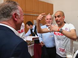 Die Bayern-Bosse haben sich von Pep Guardiola verabschiedet