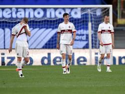 Enttäuschte Milan-Akteure nach der Niederlage gegen Hellas Verona
