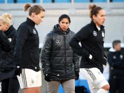 Das deutsche Team um Steffi Jones testet gegen Kanada