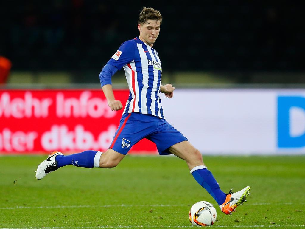 Niklas Stark hat seinen Vertrag in Berlin vorzeitig verlängert