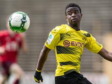 Youssoufa Moukoko erzielte drei Tore gegen Bielefeld